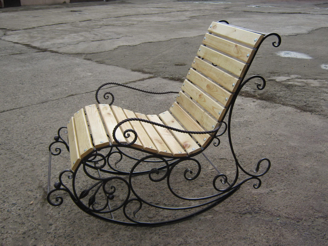 фото кованые кресла качалки